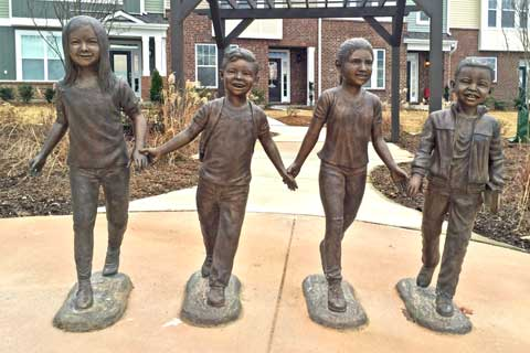 2017 design life size Custom Made Four Bronze Child Sculptures for Backyard Decor