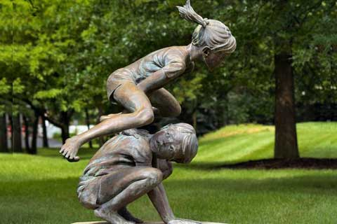Antique design life size Bronze Two Kids Playing on Lawn Statue for Sale