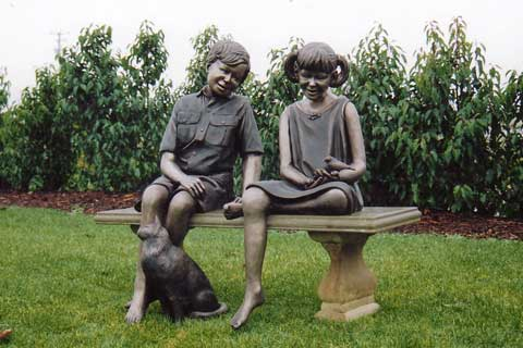 Bronze outdoor Casting Foundry Bronze Statue Two Children Sitting on a Bench Chatting