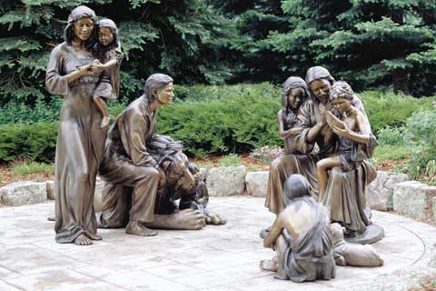 Customized Warming outdoor design Large Bronze Family Sculpture for Yard Decor