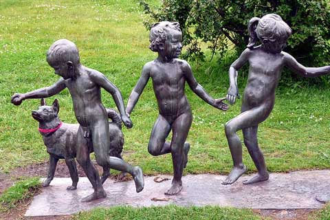 Professional Bronze Foundry Life Size Bronze Children Sculptures
