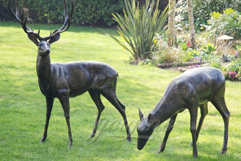 BOKK-224 Wholesales Bronze Deer with Eating Garden Sculpture for Sale